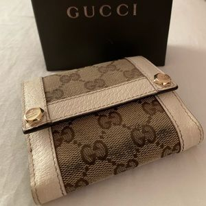 💯 Gucci Compact GG Wallet with box